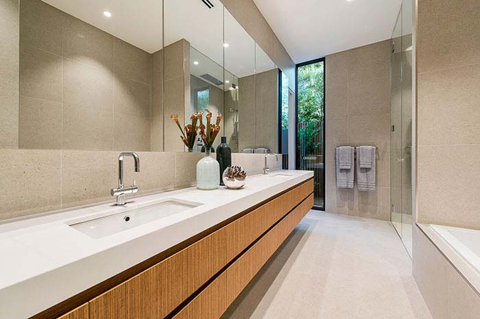 Brighton East Master Ensuite